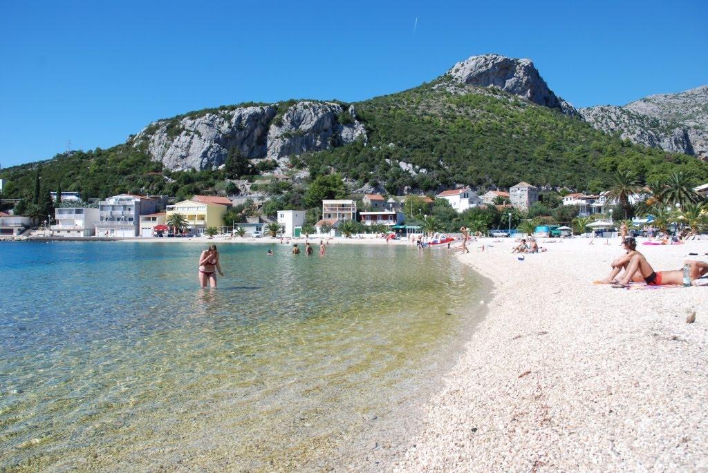 klek beach
