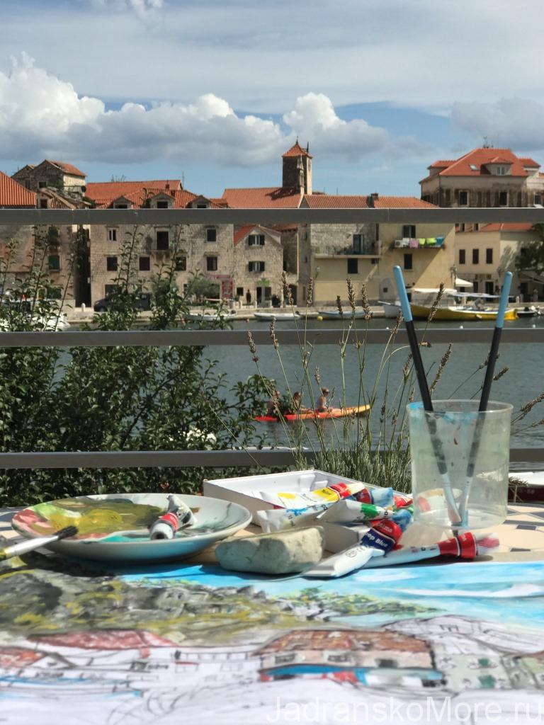 Отзыв об отдыхе с детьми в Омише - Рисование на террасе