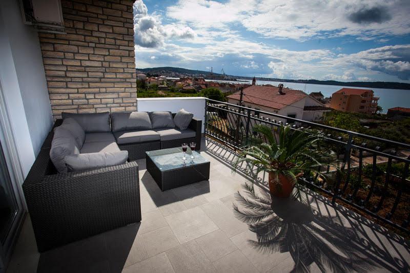 Trogir apartment terrace