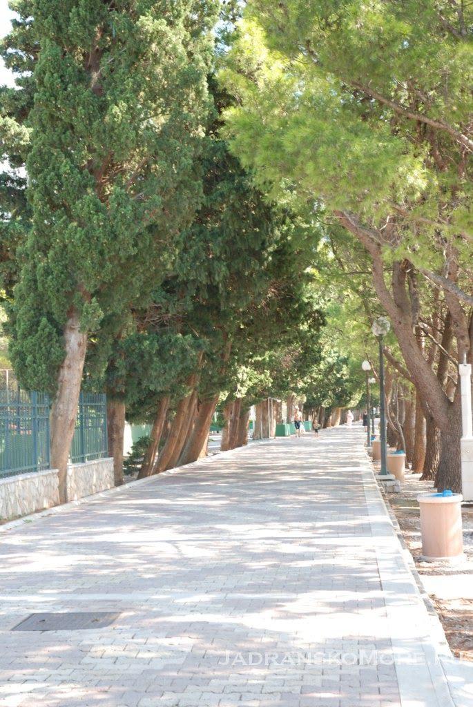 Tucepi promenade 1