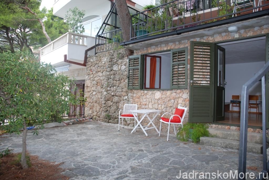 Brela apartment terrace 01