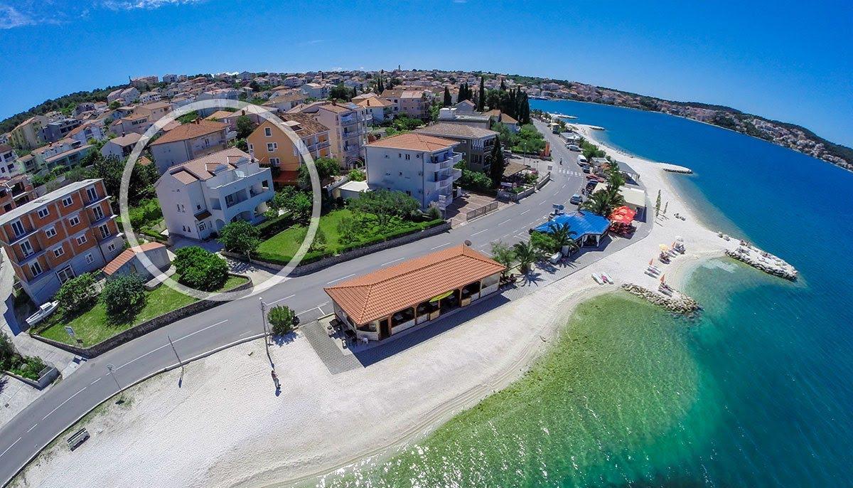 Okrug Gornji apartment on the beach 01