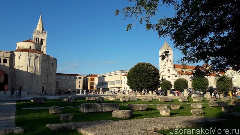 Zadar main square 04